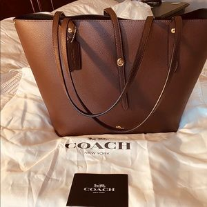 Coach Tote in Oxblood Colour Like New